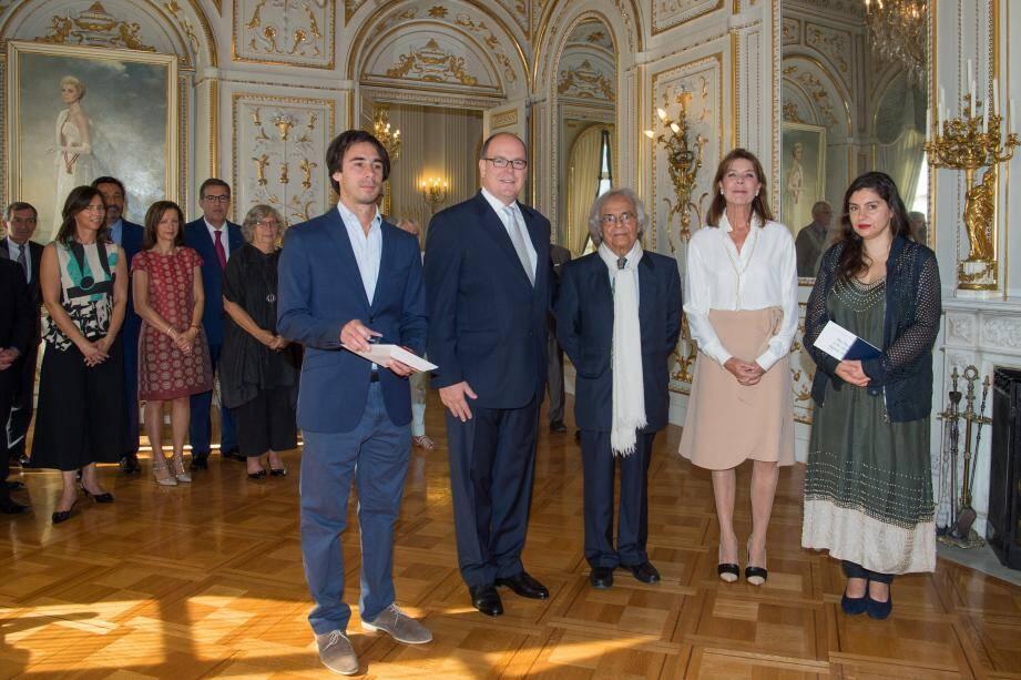 Hier matin, le souverain et la princesse Caroline ont reçu les lauréats au Palais.