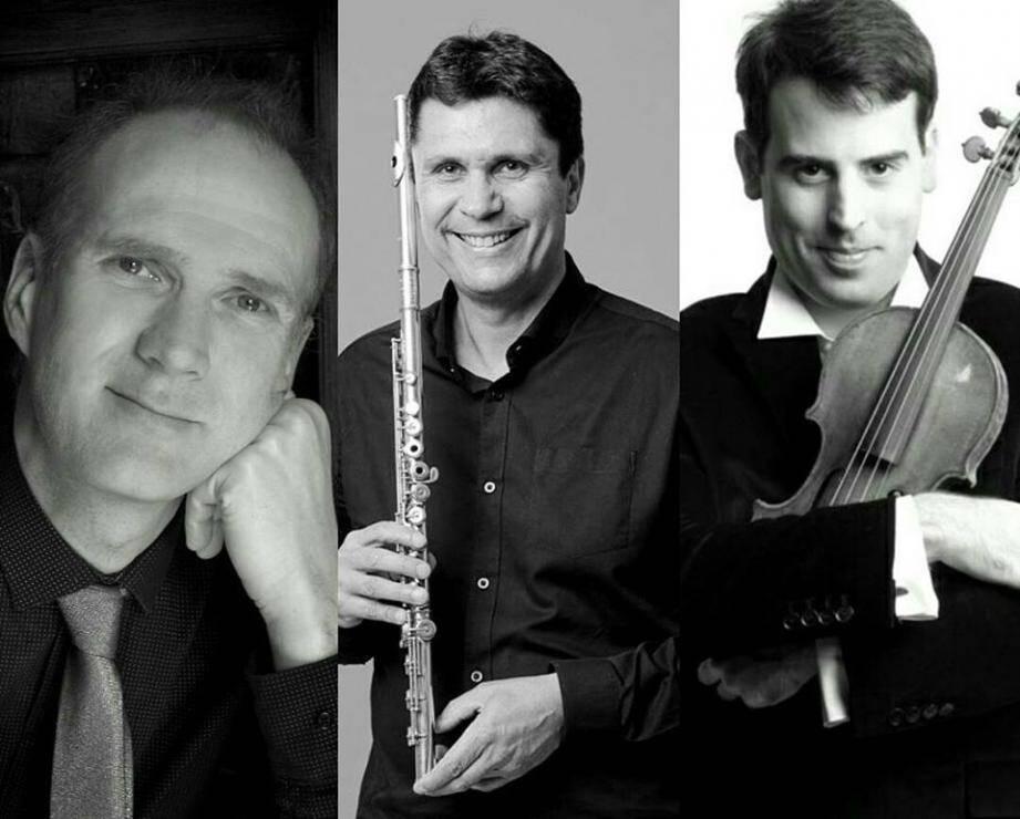 Les trois supersolistes de C'est pas baroque.