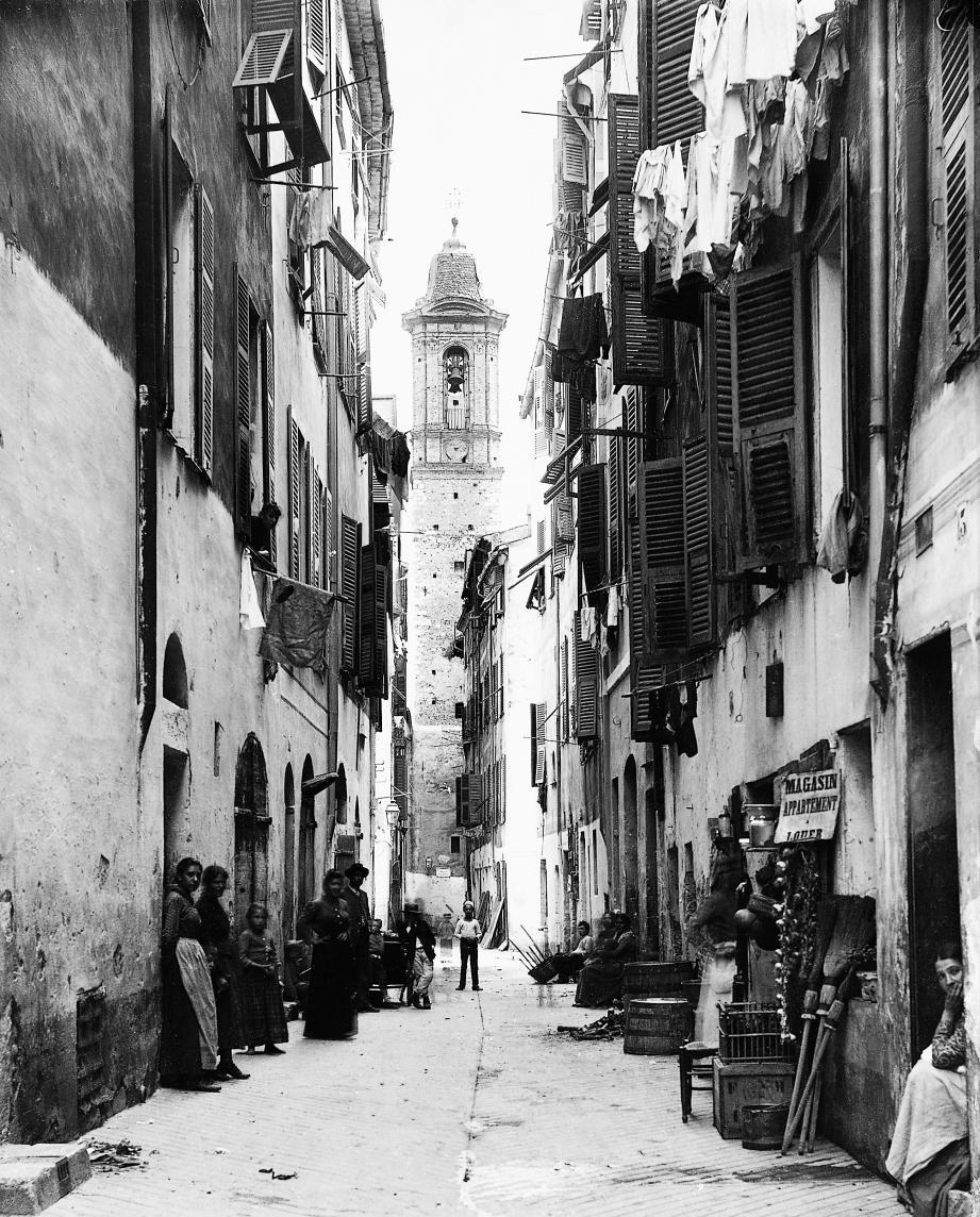 Au XIXe siècle, le quartier populaire du Vieux-Nice a l'accent italien.