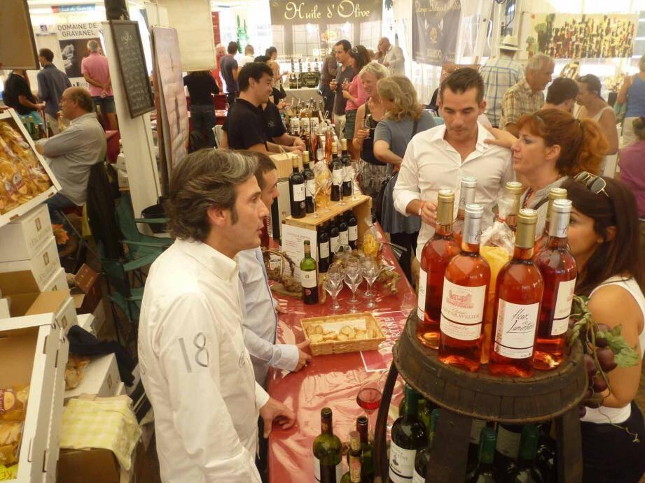 La place de Théoule sera animée ce week-end grâce au salon Art et vin, manifestation incontournable pour les amateurs de bonnes et belles choses.