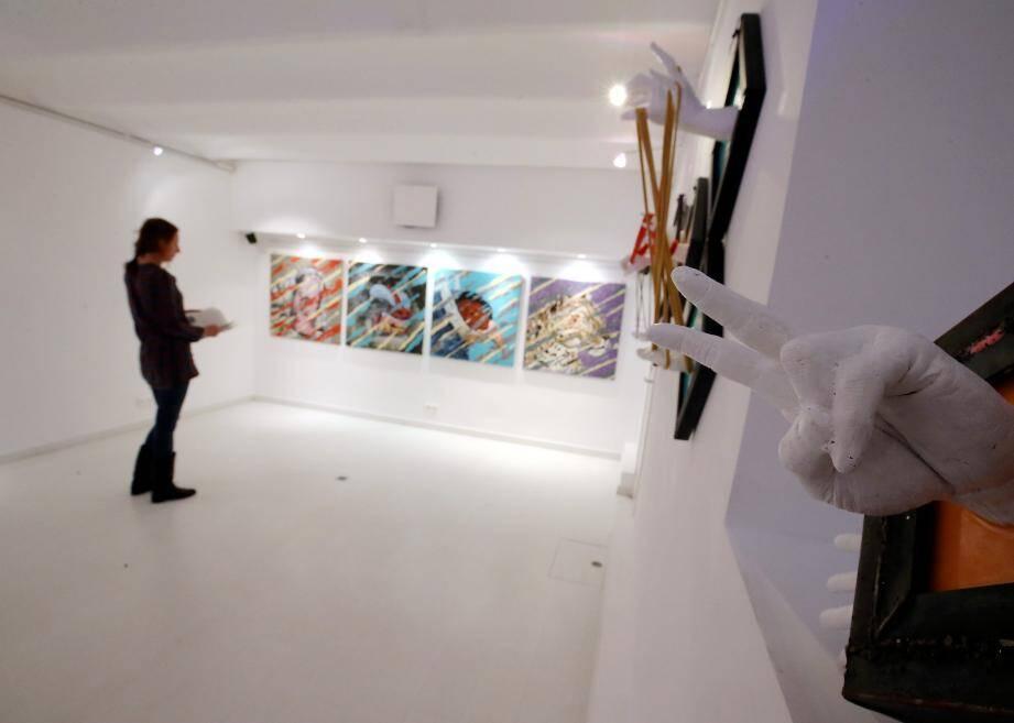 Trois artistes italiens se partagent les murs de la galerie jusqu'au 4 novembre, dans une ambiance résolument pop.