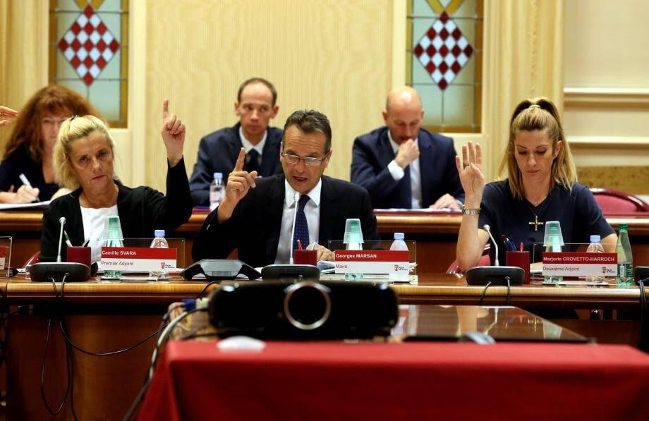 Séance très rapide, lundi soir au conseil communal de Monaco, pour adopter le deuxième budget modificatif de l'exercice 2016.