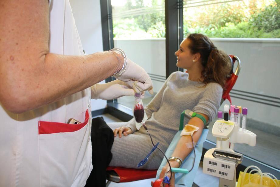 Comme d'autres anonymes, Lise a donné son sang hier. Un geste gratuit et bénévole.