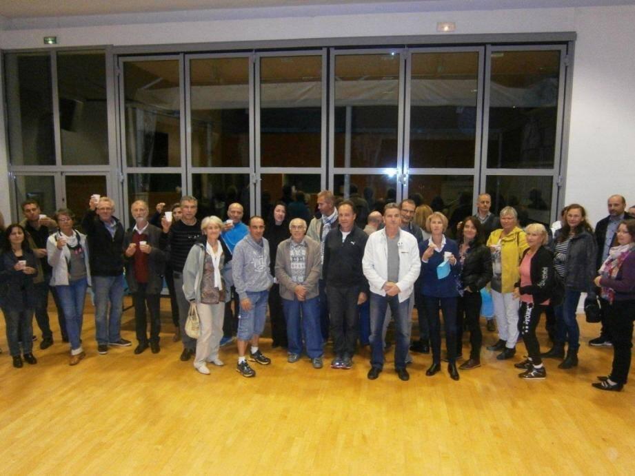 Les participants à l'AG de l'Athletic Philippides.(DR )