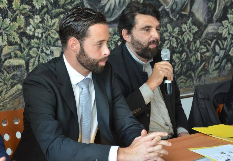 Nicolas Doyen (à gauche), cofondateur et président de l'association et Philippe Delorme, président d'honneur ont expliqué leur démarche lors de la conférence de presse qui s'est tenue à Saint-Denis.(DR)