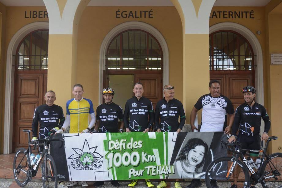 Le maire a pédalé de Nice à La Turbie avant d'offrir une petite réception en mairie aux cyclistes engagés dans la première étape du « défi des 1000 km pour Téhani ».