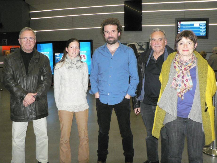 A l'initiative de Colibris 83, Cyril Dion (au centre) était venu au CGR de Chabran présenter son film en avant-première.
