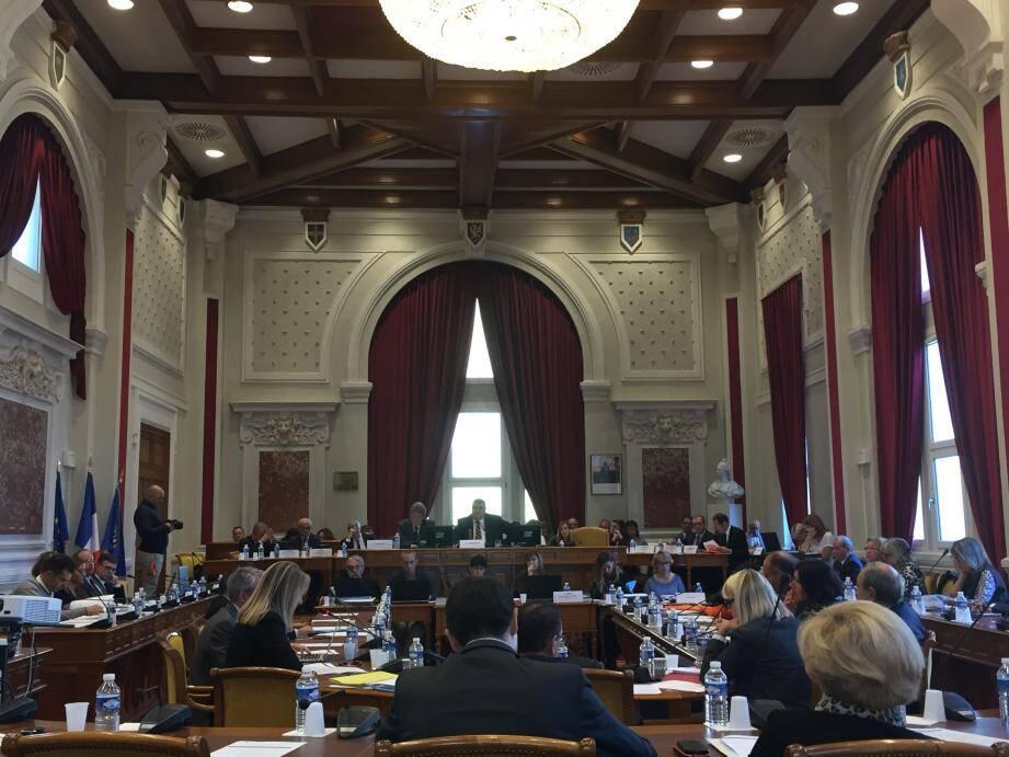 C'est dans le plus grand calme que la séance plénière du Conseil départemental s'est déroulée hier matin à Draguignan.