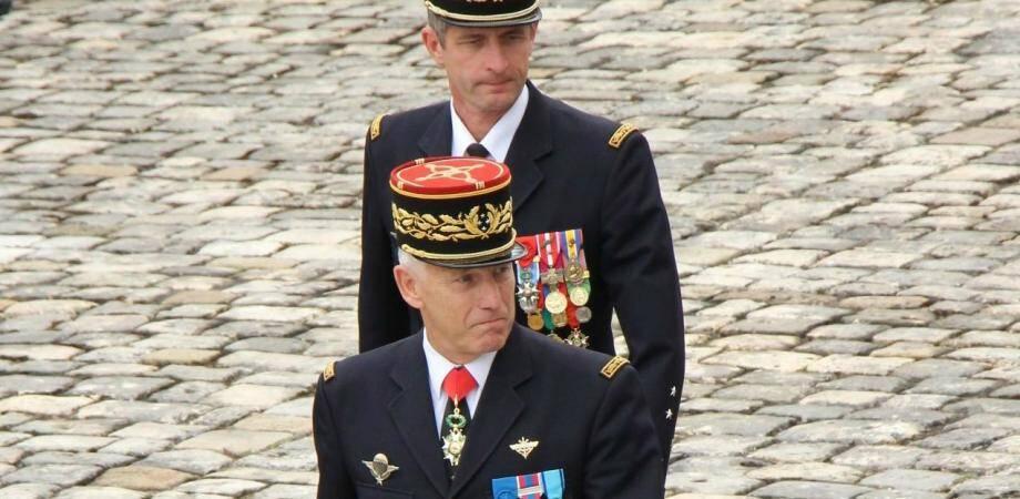 Lors de son adieu aux armes, le général Giorgisa passé une dernière fois les troupes en revue.