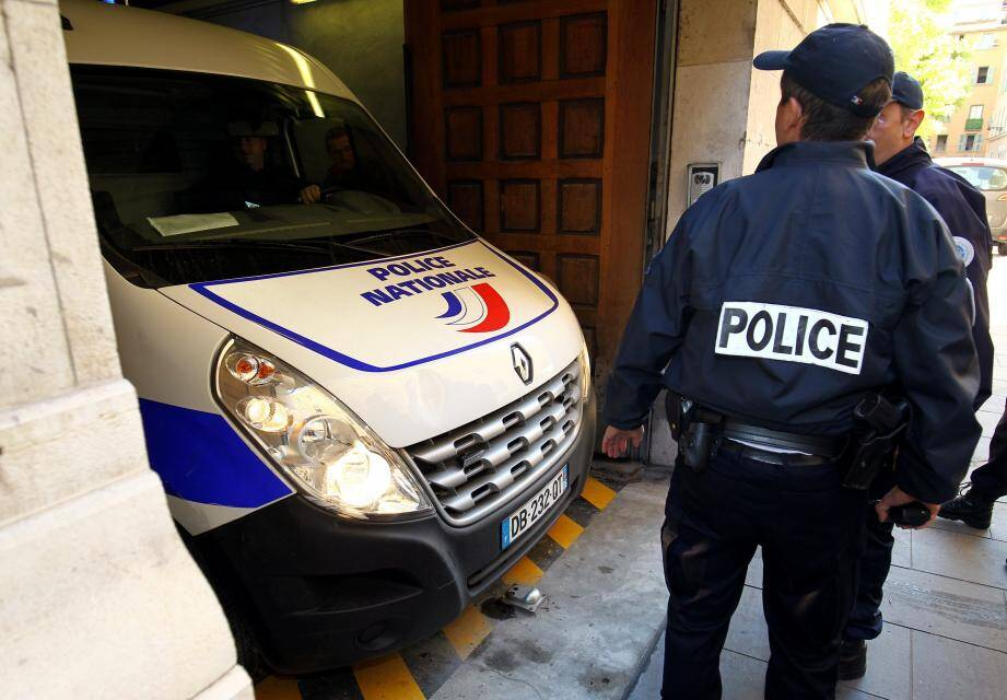 Arrivée des inculpés au palais de justice de Nice dans l'affaire de  l'enlèvement de Jacqueline Veyrac
