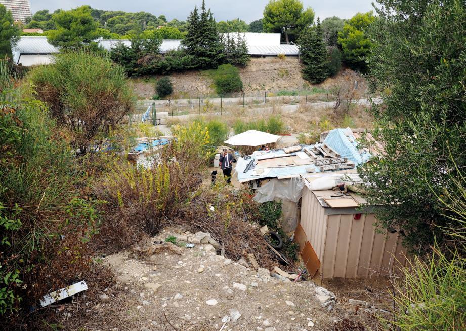 Le terrain est destiné à accueillir la base de vie du chantier de la stationd'épuration.