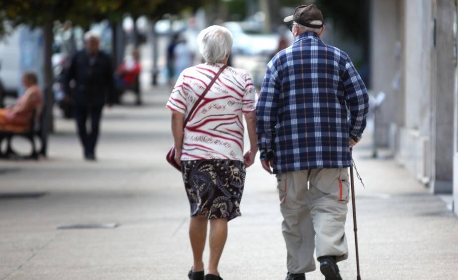 Les plus de 65 ans dont la retraite se monte à plus de 1.400 euros seront touchés par la hausse de la CSG.