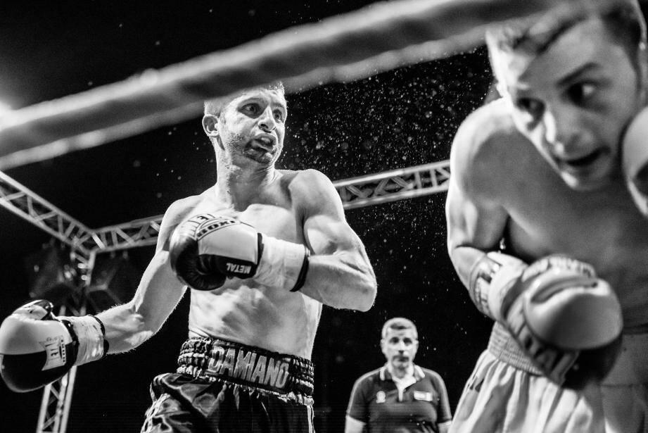 C'est ce cliché, lors d'un combat de boxe, qui sera exposé au Salon de la photo à Paris.