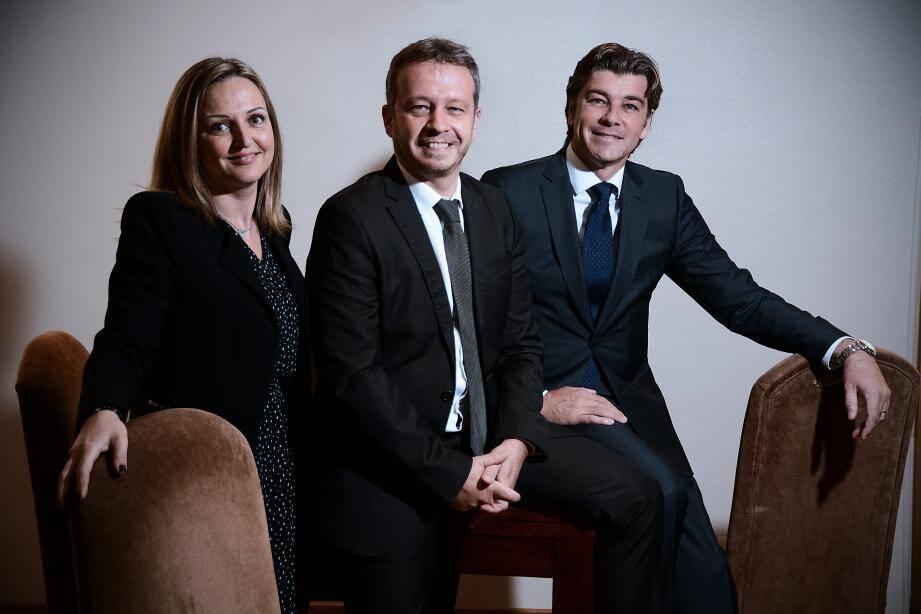 Mes Alexis Marquet (à droite), bâtonnier, Déborah Lorenzi-Martarello, secrétaire-trésorier, et Richard Mullot, syndic-rapporteur.(DR)