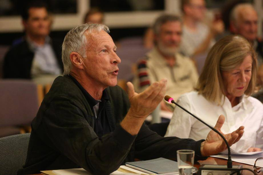 Les élus d'opposition ont débattu vendredi soir, face à la majorité du maire Michelle Salucki