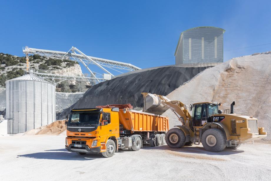 La société Someca va extraire 2,2 millions de tonnes de granulats. La qualité des matériaux a été retenue par Bouygues Travaux publics pour répondre aux hautes exigences techniques pour la construction de la plate-forme maritime.
