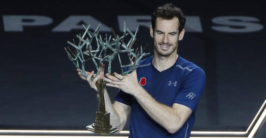 Premier titre à Bercy pour Murray, le nouveau boss du circuit.