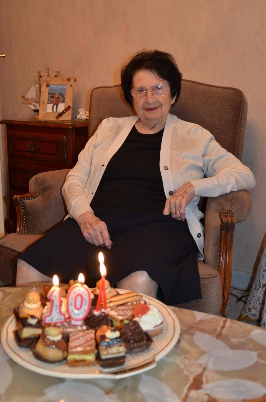 Inès Manzocco, une centenaire bon pied bon œil.(D. R.)