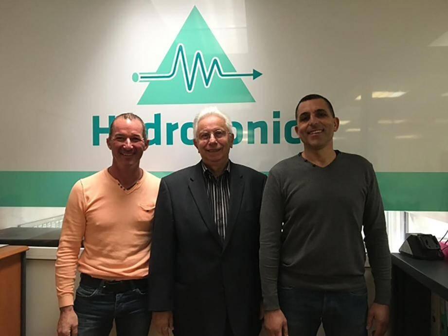César Luddéni, président fondateur d'Hydrosonic, entouré de ses deux associés.(D.R.)