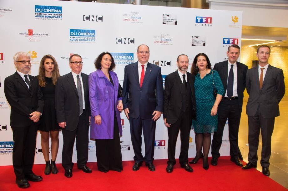 Le souverain a assisté à la projection du film de Youssef Chahine « Adieu Bonaparte », restauré en partie grâce au soutien des Archives audiovisuelles monégasques.