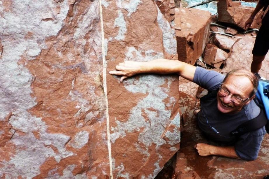 Gilbert Mari dans les gorges de Daluis, a trouvé le bon filon de cuivre.(DR)