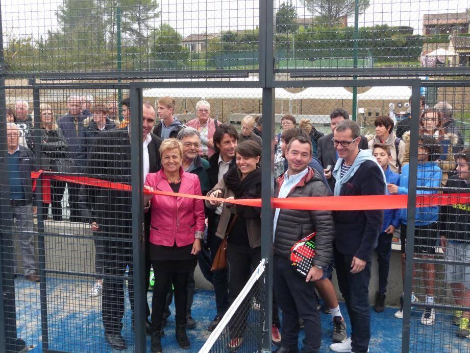 Avec ses nombreux courts de tennis et les deux terrains de padel, le TC Mouans-Sartoux se positionne comme l'un des clubs incontournables du 06.