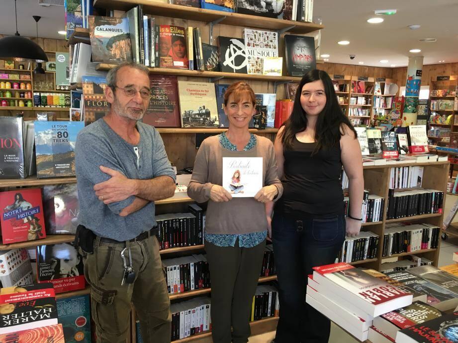 Lors de cette journée, la librairie présentera son livre Portraits de lecteurs, qui rassemble des photos de lecteurs avec leur livre préféré.