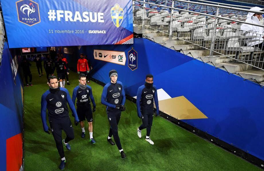 Lemar, ici avec Rami, Corchia et Rabiot, a découvert la pelouse du stade de France avec les Bleus.