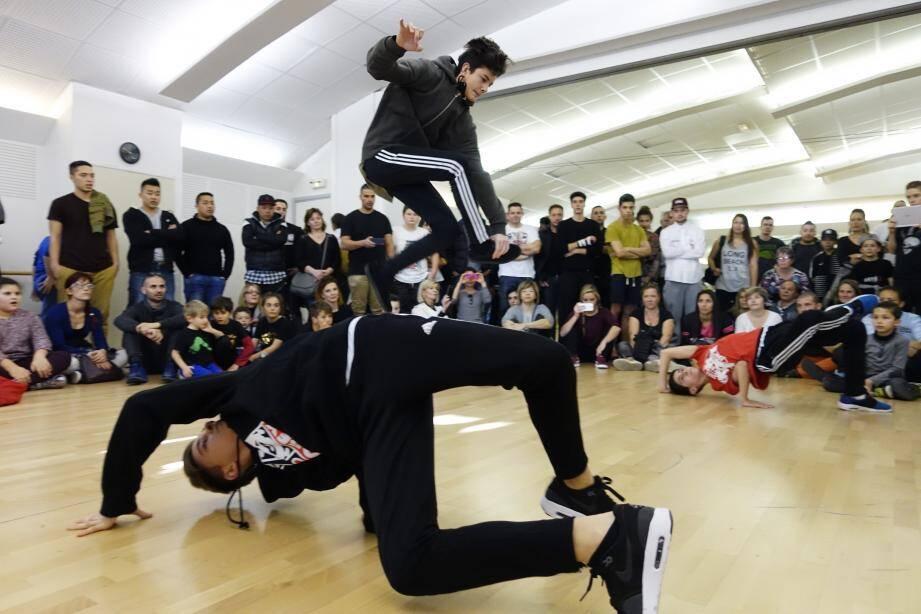 Culture urbaine cet après-midi au Forum comme chaque année, fruit du succès du cours de hip-hop.