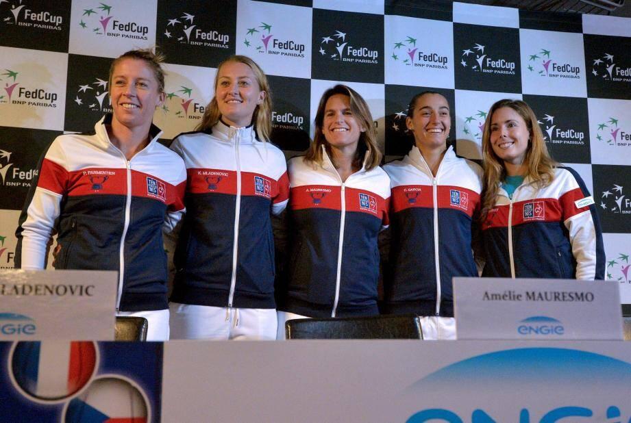 Parmentier, Mladenovic, Mauresmo, Garcia et Cornet : cinq filles pour un exploit face aux Tchèques.