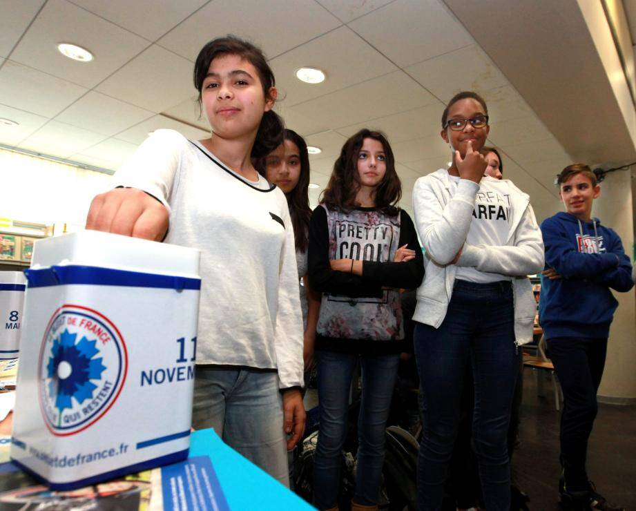 Près de 70 dons avaient été enregistrés jeudi depuis le lancement en début de semaine. Une collecte interne organisée par les élèves de 3e et qui s'achève demain.