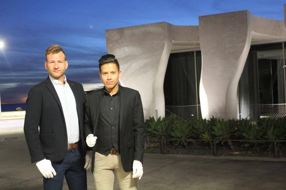 Clément et Antoine, les créateurs de « Merci mon concierge », rendront service jusque tard dans la journée, afin de répondre à tous les besoins.