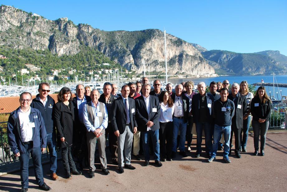 Une trentaine d'élus et de gestionnaires des ports se sont réunis pour poser les bases d'une gestion portuaire tournée vers la protection de l'environnement.