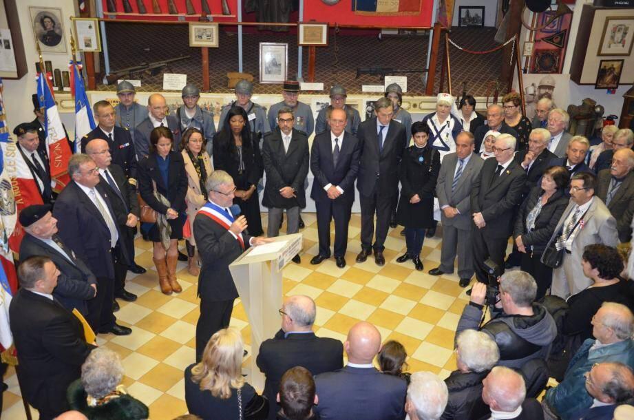 Un hommage a été rendu à Alain Poggi, devant une grande assemblée réunie au Foyer du Poilu, le « bébé » de ce « grand et digne patriote ».