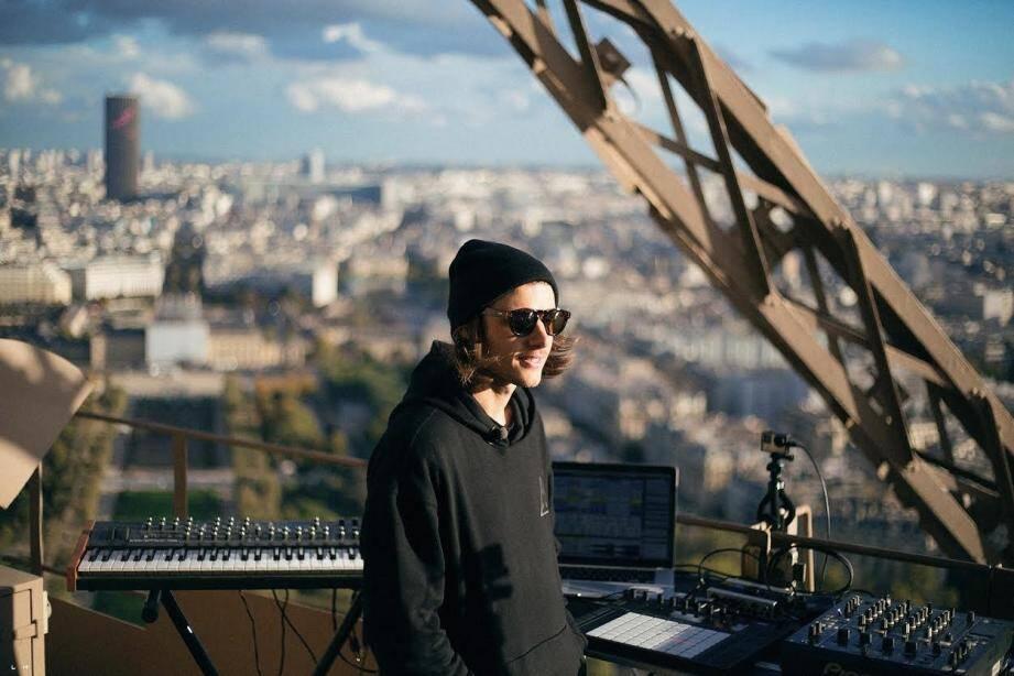 Le DJ niçois ne viendra pas samedi soir… Il a dû renoncer à se produire « au pays », hier soir. Au grand dam de ses nombreux fans.(DR)