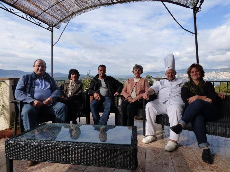 L'association Vie enfance terre d'azur, associée au restaurant Lou Fassum et à de nombreux partenaires dont des chefs de la région, organise cette soirée caritative.