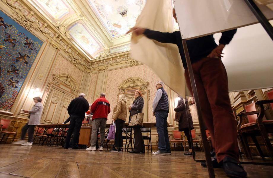 Près de 14% des électeurs mentonnais ont participé à cette primaire.