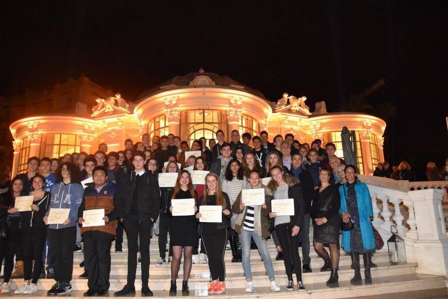 La Rotonde brillait lundi de tous ses feux pour saluer la réussite des anciens élèves du collège Jean-Cocteau.