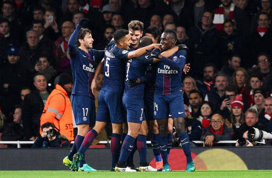 La joie des Parisiens, auteurs d'un gros match à l'Emirates.