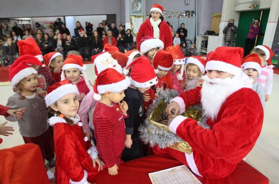 Le père Noël sera présent au centre commercial les Marronniers le 24 décembre.