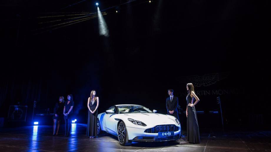 Le dernier bolide d'Aston Martin a été présenté, mercredi soir, sur la scène  de la Salle des Princes.