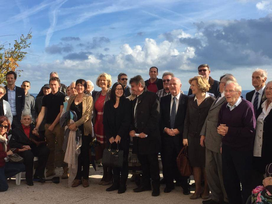 Les salariés, les résidents, les membres de l'association, des représentants du groupe SOS et le maire Georges Botella ont assisté à cette réunion.