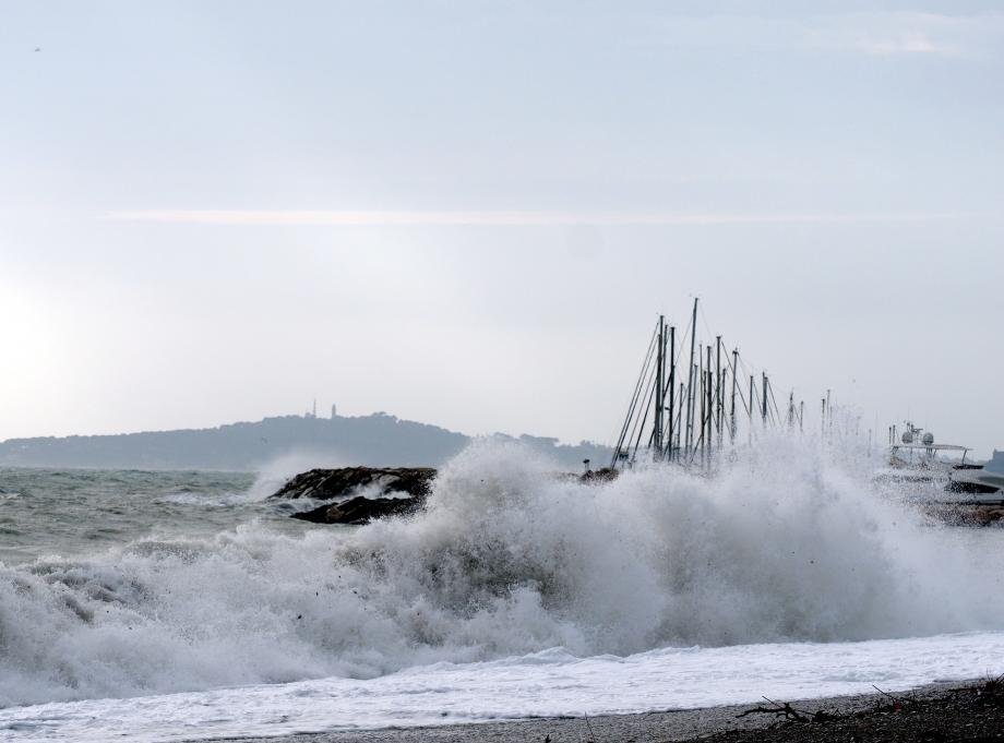 Les vagues à Villeneuve-Loubet.