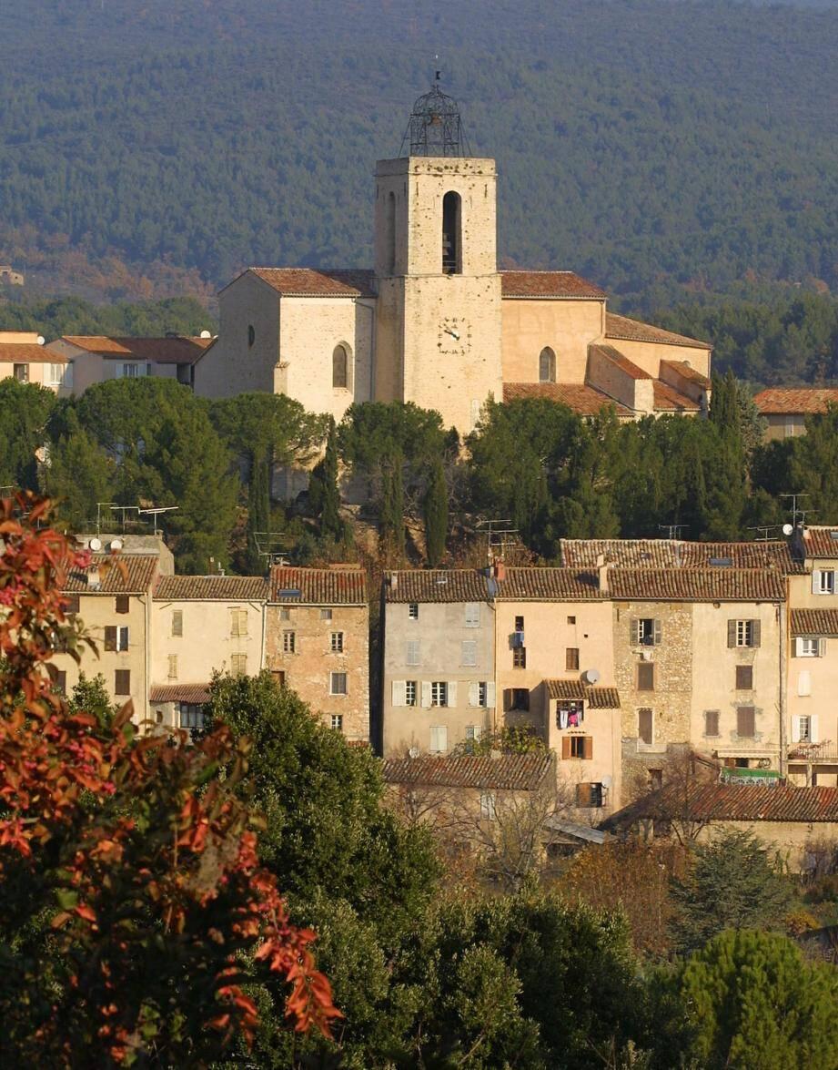 Vue du village de Flayosc.