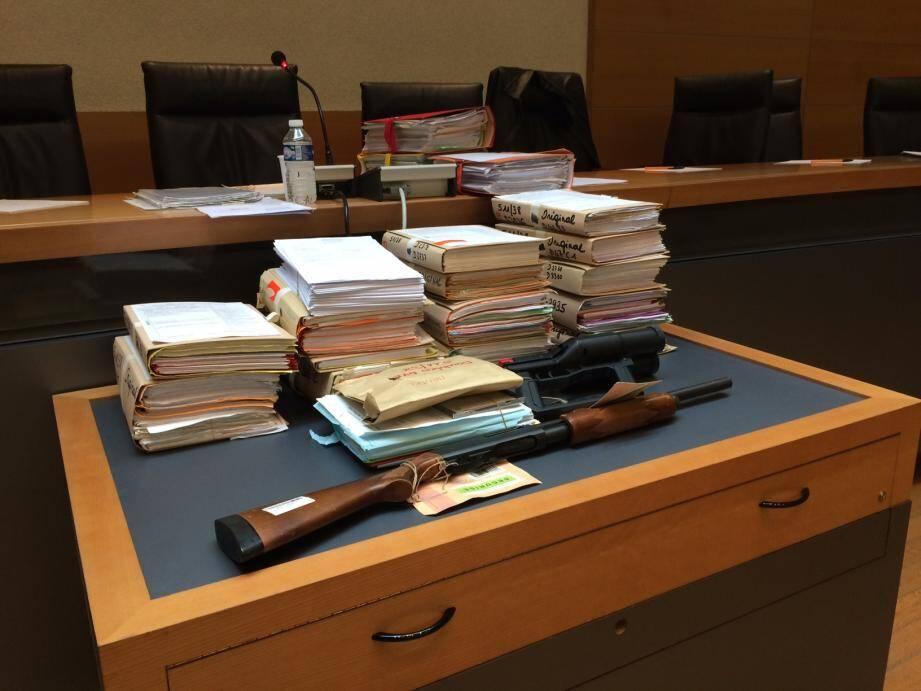 L'arme du crime, un fusil de chasse avec lequel Marc Mandel, un homme jusqu'ici sans histoire, a tué Pierre Torregrossa.