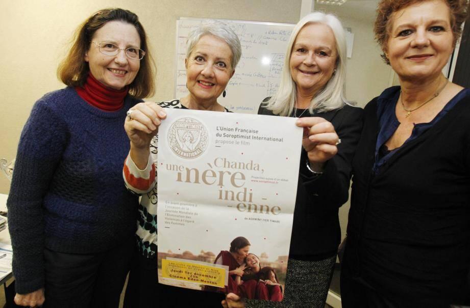De gauche à droite : Patricia Martelli, Martine Caserio, Betty Lottier et Stéphanie Ciocchetti. Les membres du club service féminin mentonnais Soroptimist présentent la quatrième édition de la soirée cinéma.