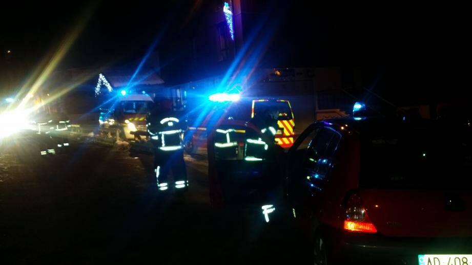 Une soixantaine de pompiers sont intervenus.