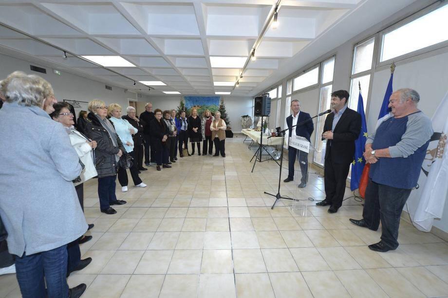 Jérôme Viaud a inauguré la salle en présence de Serge Percheron, élu du quartier Saint-Antoine et Jean-François Laporte, conseiller municipal chargé des bâtiments communaux.