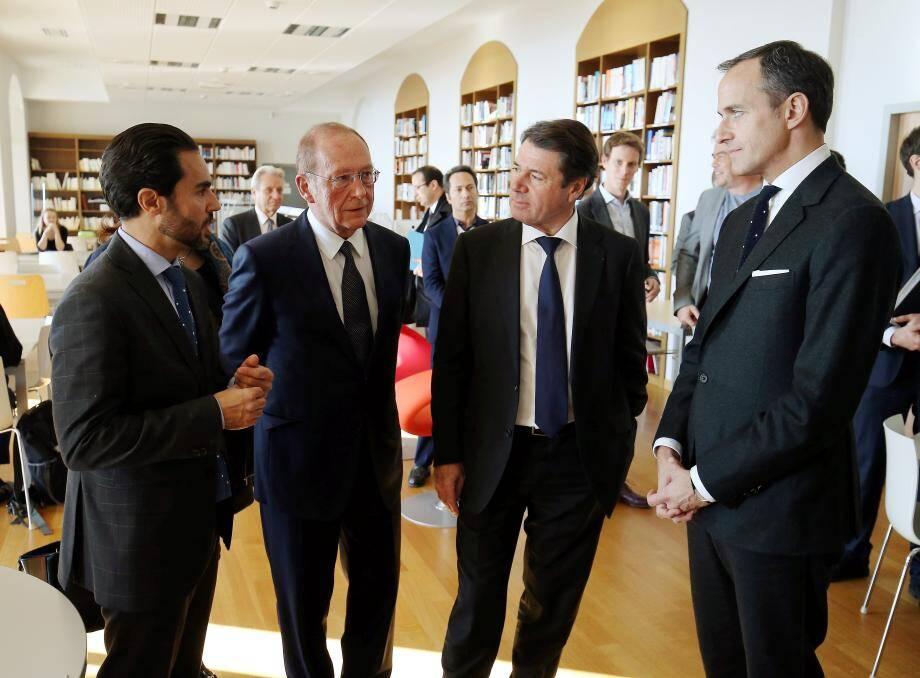 Le député-maire Jean-Claude Guibal et le président de Région Christian Estrosi, entourés du directeur du campus, Bernard El Ghoul, et du responsable de Sciences Po, Frédéric Mion.