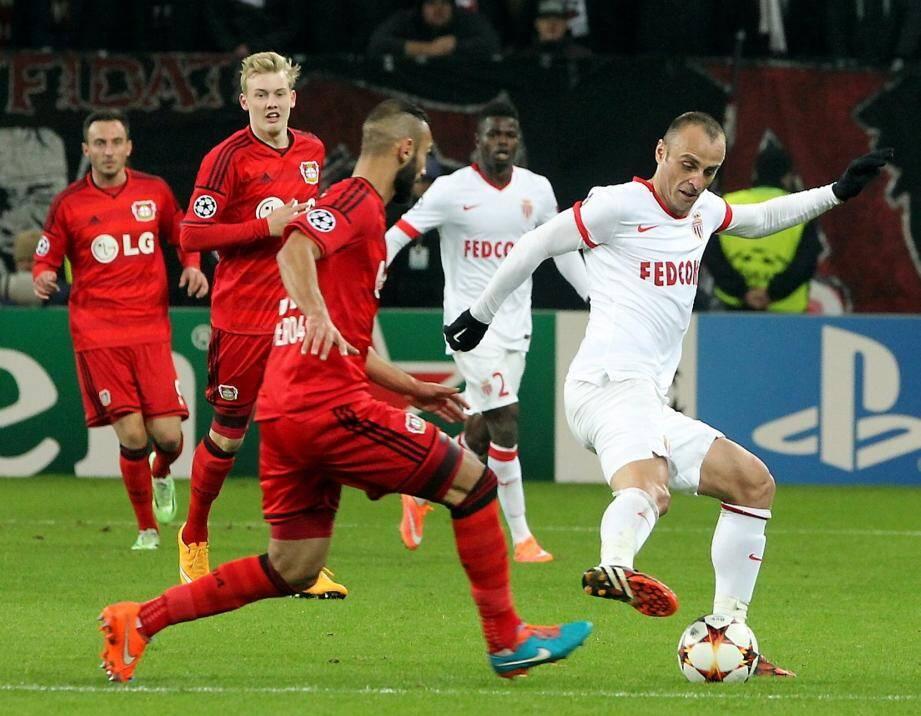 L'attaquant bulgare Dimitar Berbatov avait retrouvé son ancienne équipe du Bayer Leverkusen.